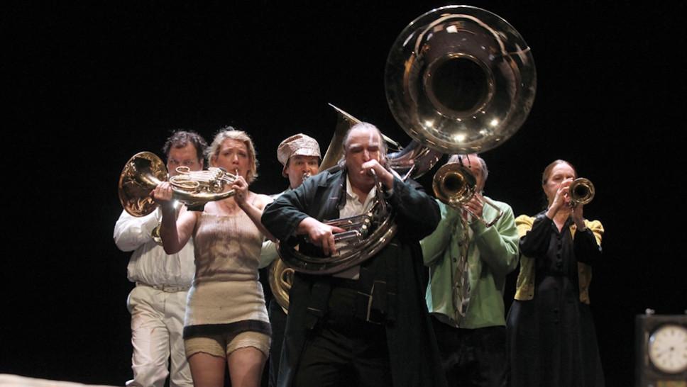 Charly Hübner, Lina Beckmann, Yorck Dippe, Oliver Nägele, Paul Herwig, Marlen Diekhoff in »Onkel Wanja« © Klaus Lefebvre