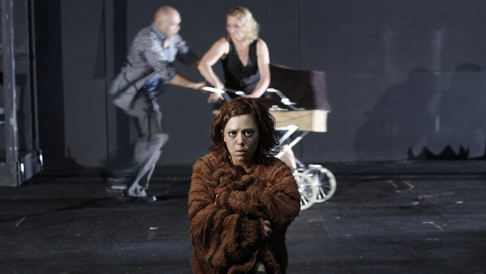 Jennifer Frank - Bernd Grawert, Lina Beckmann in »Die Ratten« © Klaus Lefebvre