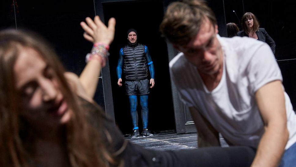 Gala Othero Winter, Jonas Hien, Christoph Luser, Maria Schrader in »Peer Gynt« © Matthias Horn