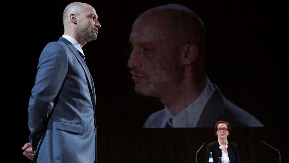 Andreas Grötzinger, Anja Laïs in »Terror« © Matthias Baus