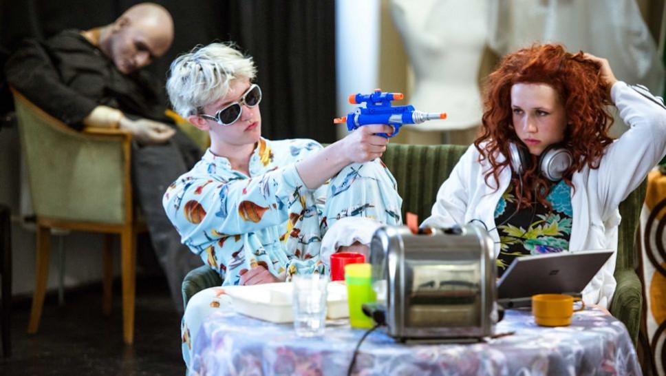BACKSTAGE Festival: Toast vor 12 – Ein Wechselspiel
