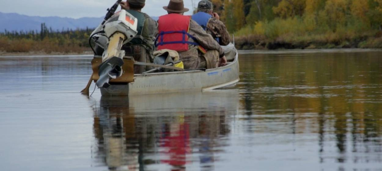 FOLLOW THE RIVER – Searching for freedom in Alaska
