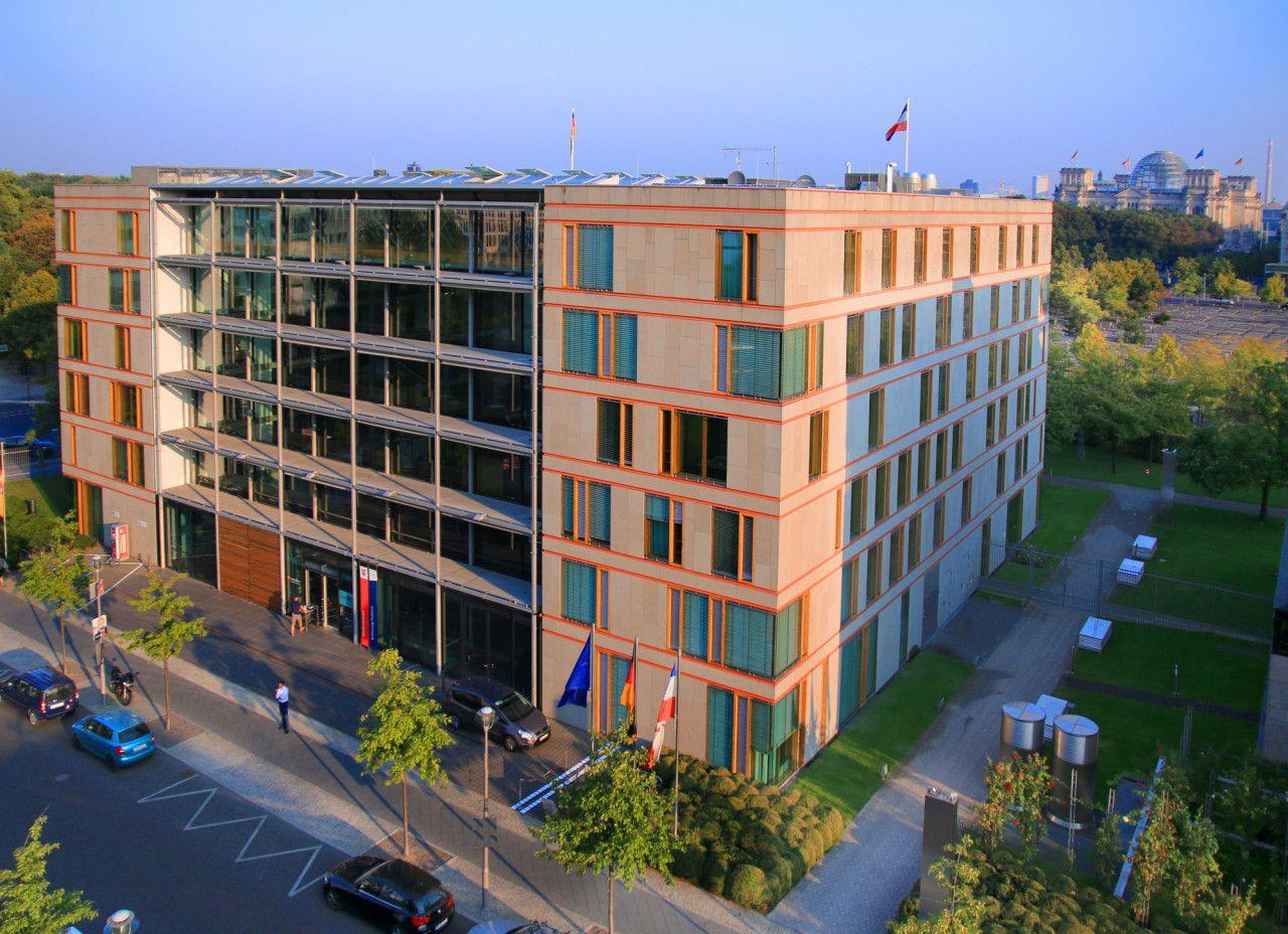 LV Niedersachsen, Berlin