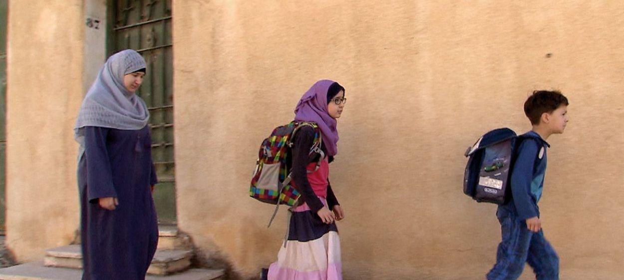Luise & Mohamed - Leaving for Algiers