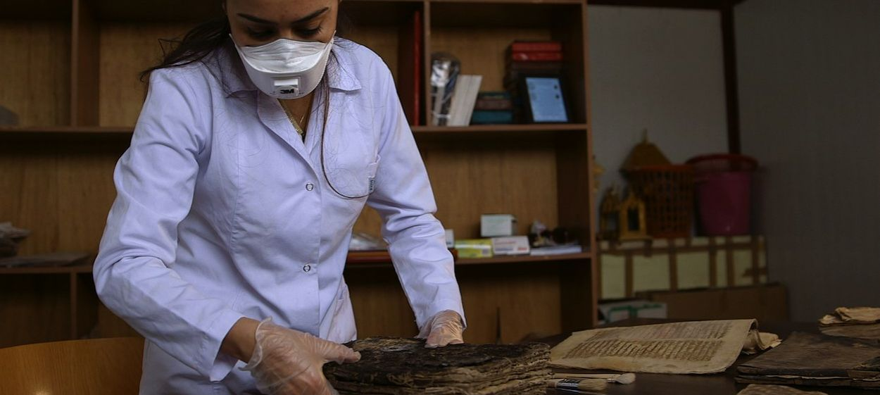 Book Hunters - Saving the World's Cultural Legacy