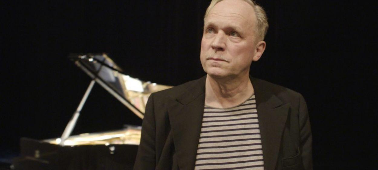Ulrich Tukur - Life of a Showman