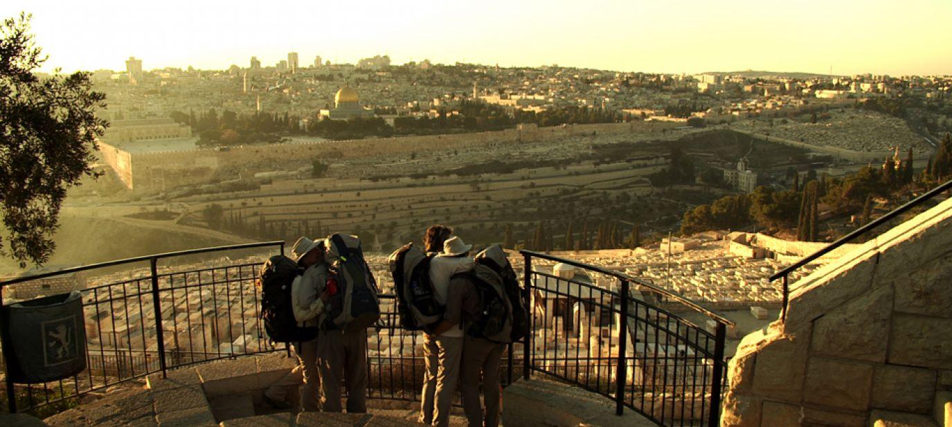 Die Schrittweisen: Zu Fuss nach Jerusalem