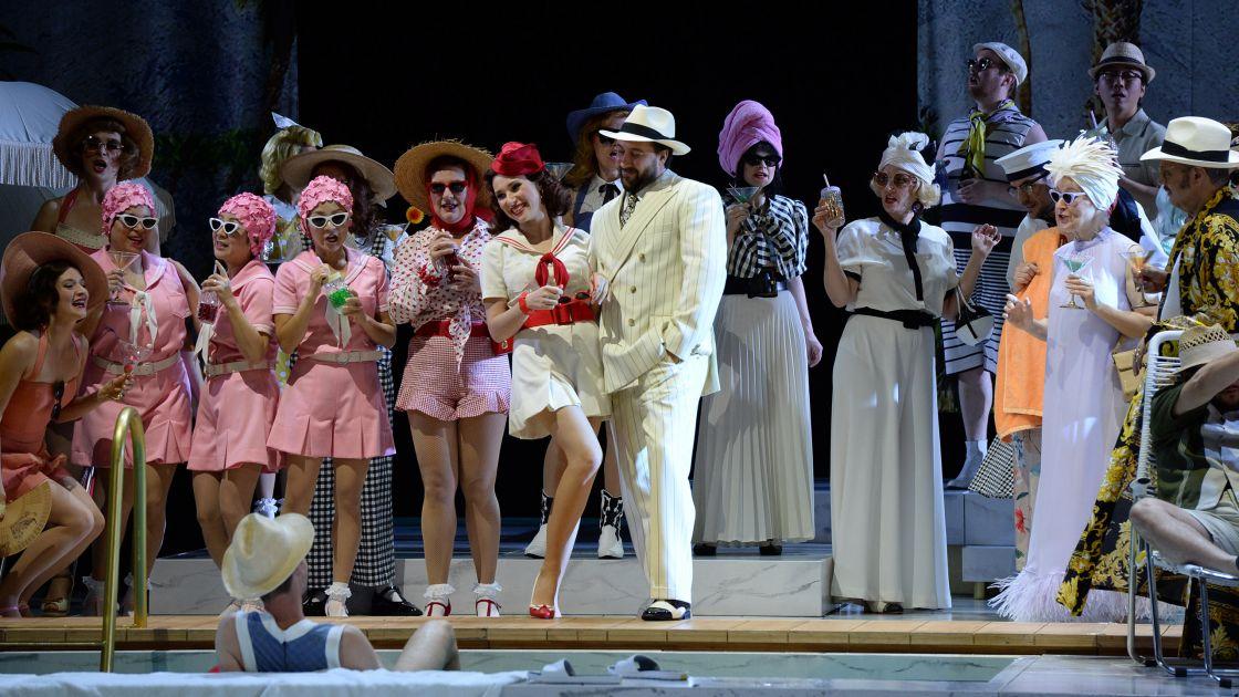 OPER & BALLETT IM SOMMER<br>für 22 Euro! © Hans Jörg Michel