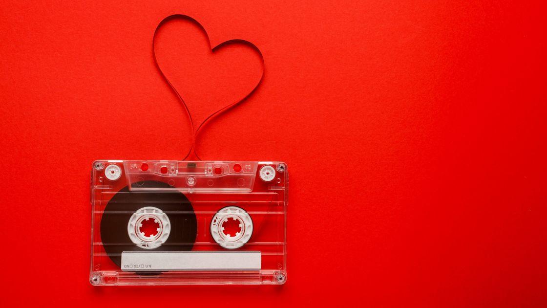 LOVE SONGS © shutterstock