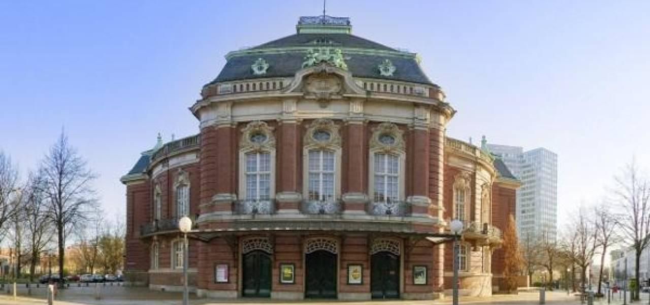In C Festival Maximal Minimal Programm Theater Hamburg