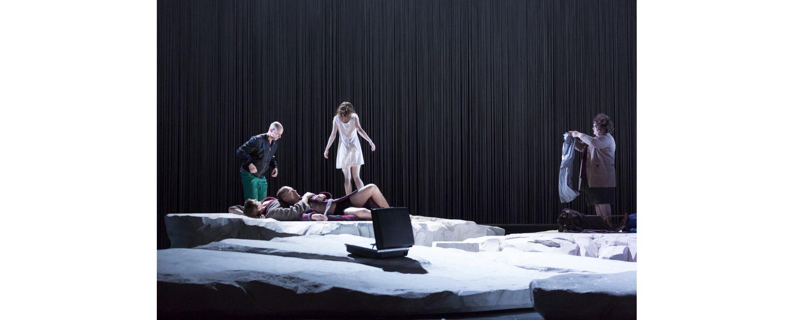 Angels in America // Bernhard Landauer, Joshua Kohl, John Carpenter, Inga Schäfer, Anja Jung // Rainer Muranyi // 2018