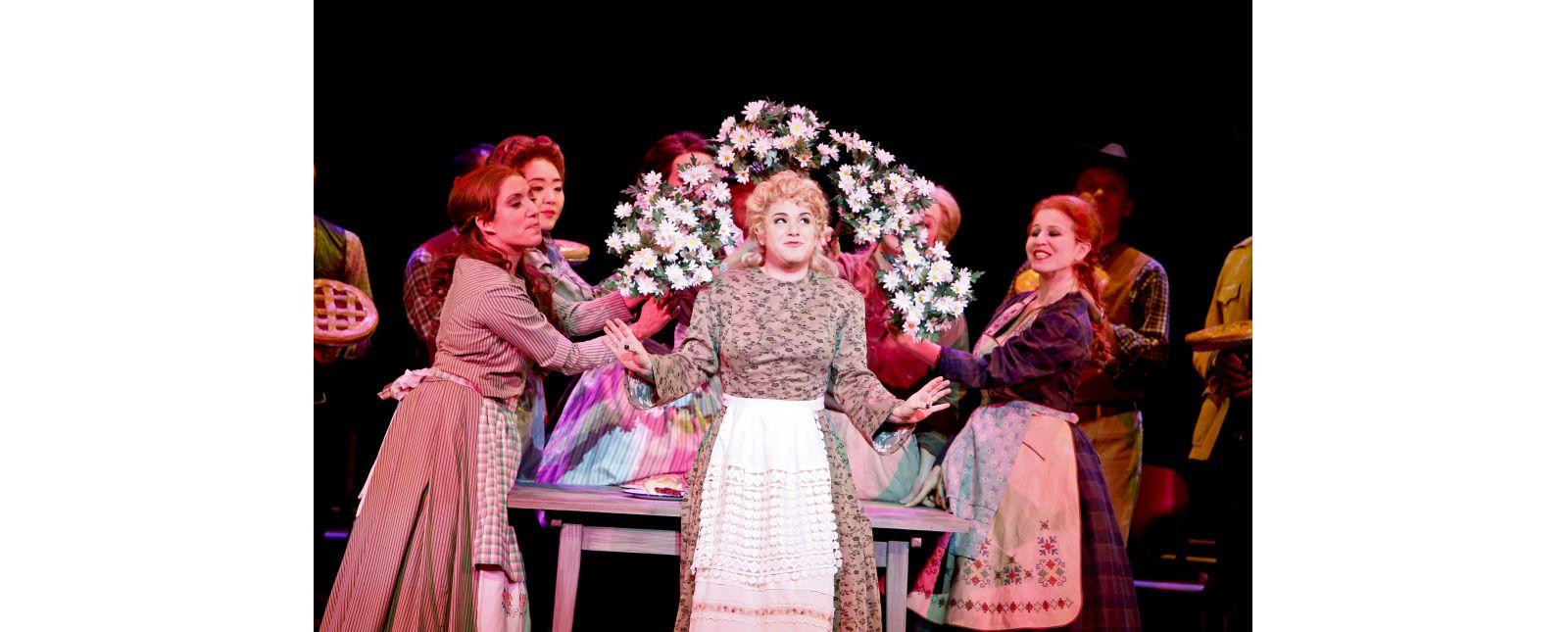 Love Life // Susana Schnell, Rebecca Jo Loeb, Opernchor des Theater Freiburg // 2017 // Birgit Hupfeld