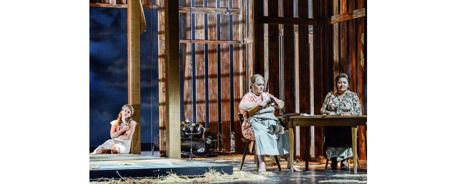 Eugen Onegin // Solen Mainguené // Anja Jung // Satik Tumyan // 2018 // Tanja Dorendorf // T+T Fotografie
