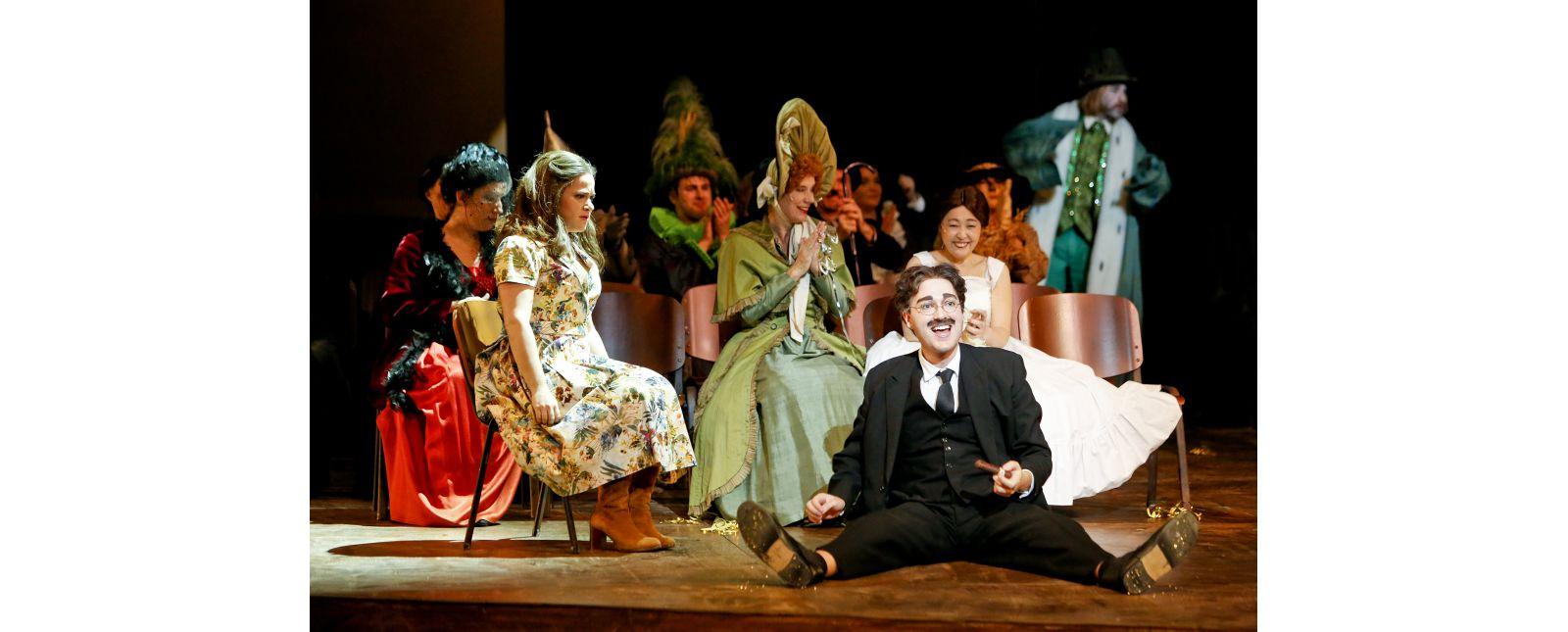 Love Life // Rebecca Jo Loeb, John Carpenter, Tim Al-Windawe, Opernchor des Theater Freiburg // 2017 // Birgit Hupfeld