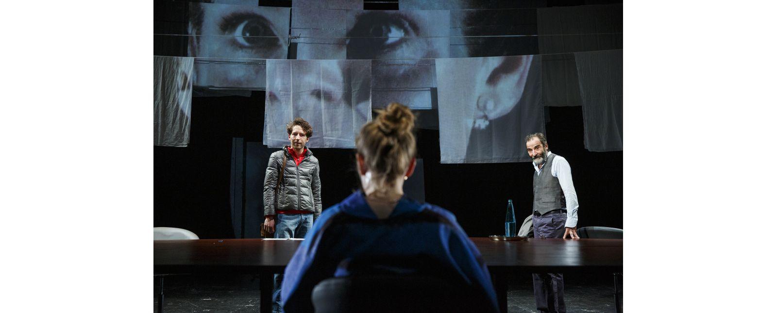 Die Seuche // Moritz Peschke / Janna Horstmann / Henry Meyer // Foto: Rainer Muranyi