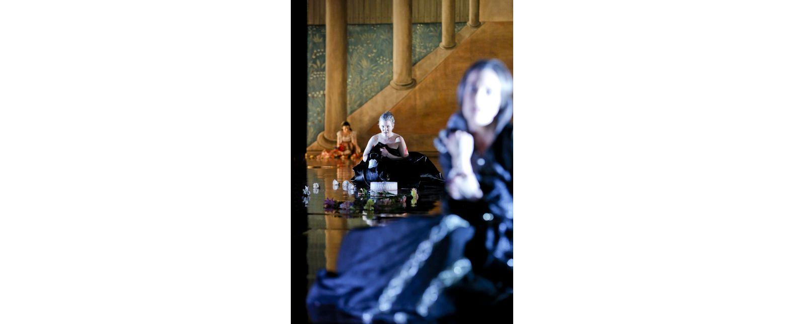 Die Bartholomäusnacht // Rosa Thormeyer // Janna Horstmann // Anja Schweitzer // 2019 // Birgit Hupfeld
