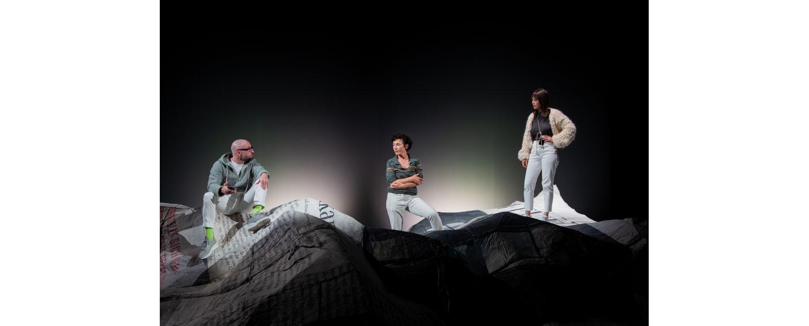 NUR DAS BESTE // Tim Al-Windawe / Elisabeth Kopp / Iris Becher // 2020 // Laura Nickel