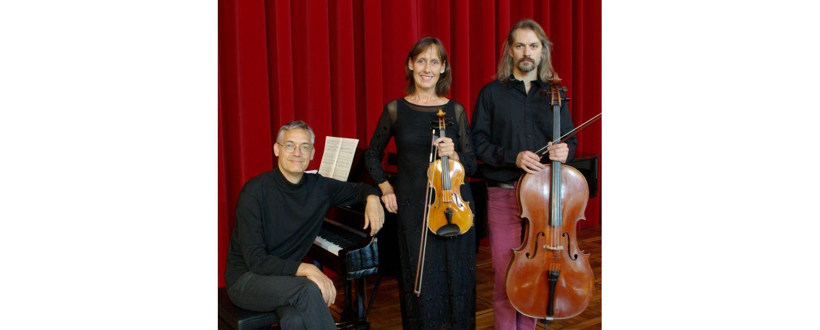 3. KAMMERKONZERT // Varnhagen-Trio Albrecht Dammeyer (Klavier) / Katrin Köhler (Violine) / Antoine Billet (Violoncello) // 2019 // Theater Freiburg