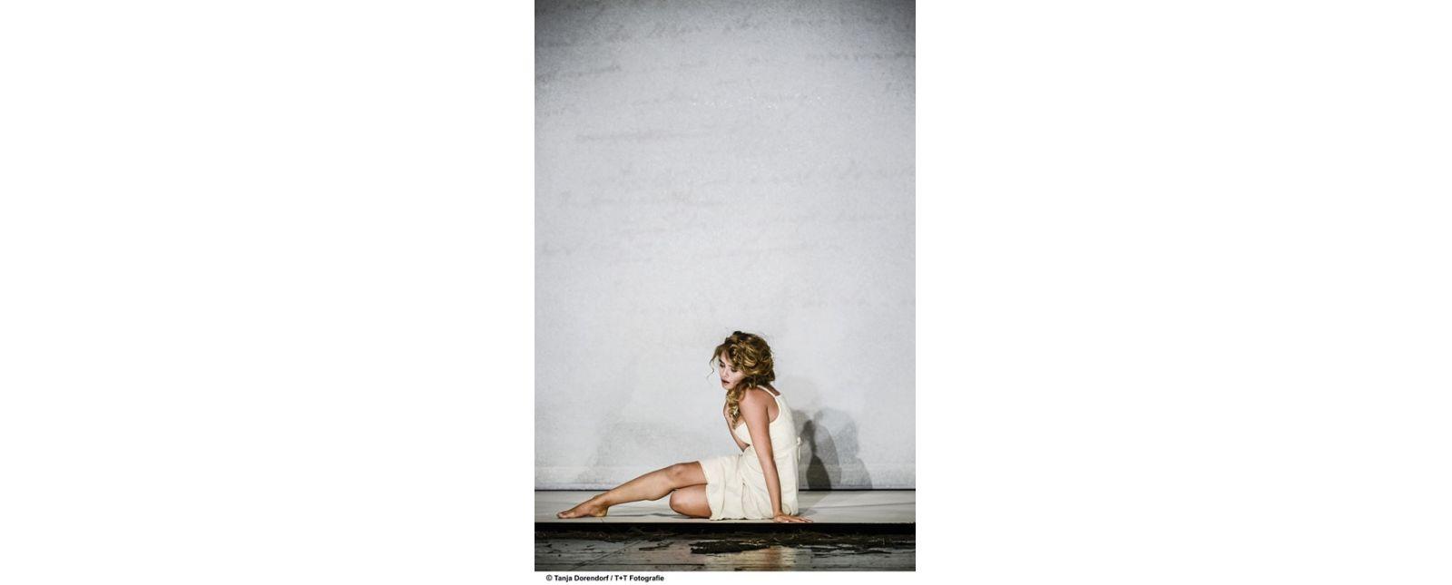 Solen Mainguené in EUGEN ONEGIN //  Tanja Dorendorf // T+ T Fotografie / 2018