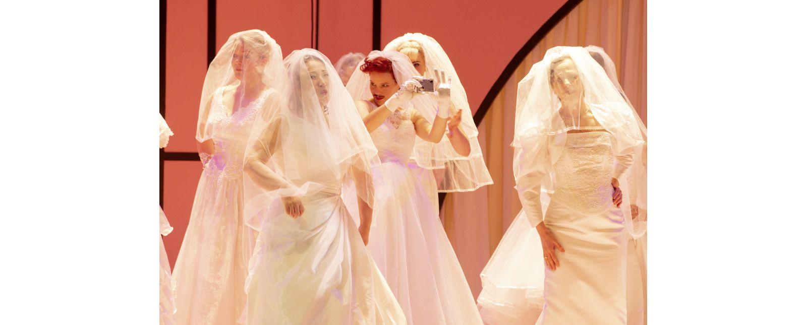 Die Hochzeit des Figaro // Inga Schäfer / Janina Staub / Opernchor // 2020 // Rainer Muranyi