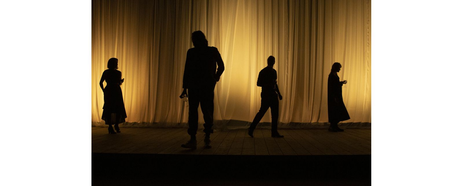 Der Riss durch die Welt // Laura Palacios / Thieß Brammer / Henry Meyer / Laura Friedmann  // 2020 // Rainer Muranyi