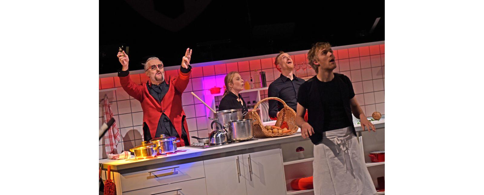 Teufels Küche // Klaus Simon, Mariella Bachmann, Philipp Schiemenz, Justin Auer  2017 // Foto: Maurice Korbel