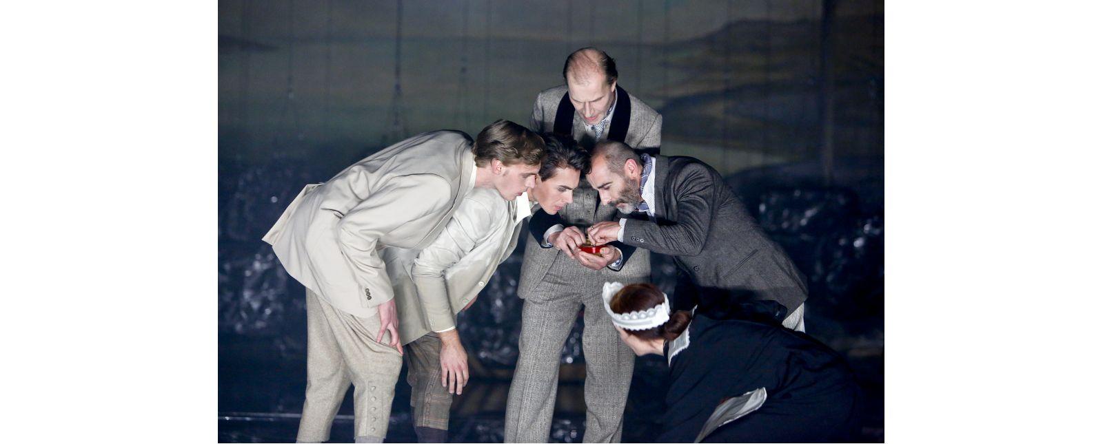 Ein Sommernachtstraum // Thieß Brammer // Dominik Paul Weber // Michael Schmitter // Henry Meyer // Anja Schweitzer // 2018 // Birgit Hupfeld
