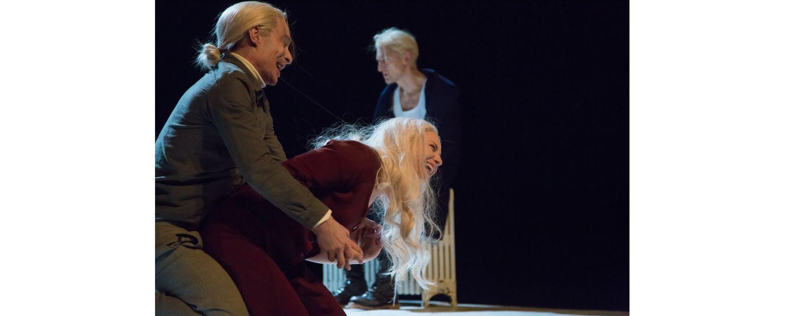 Totentanz // Martin Hohner, Marieke Kregel, Victor Calero // 2017 // Laura Nickel