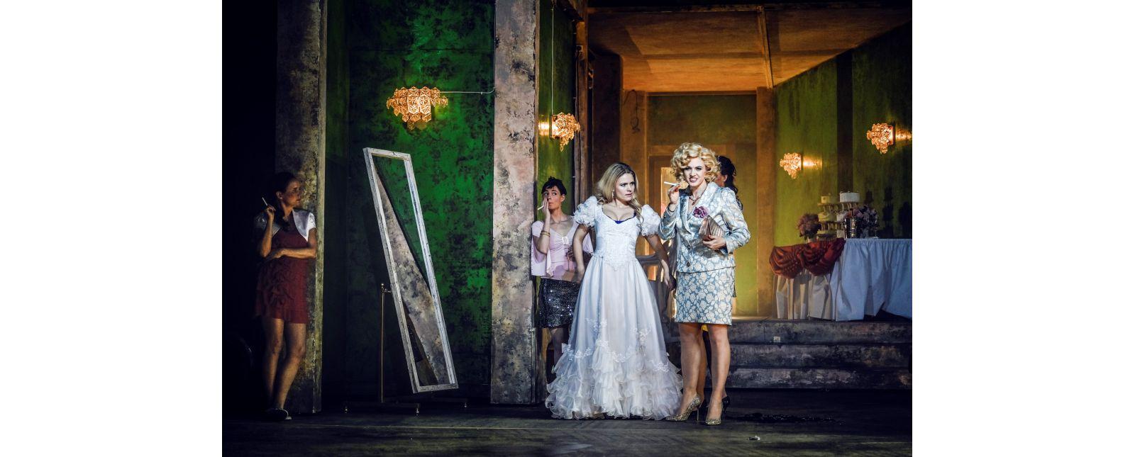 HULDA // Katharina Ruckgaber // Katerina Hebelková // Opernchor // 2019 // Tanja Dorendorf // T+T Fotografie
