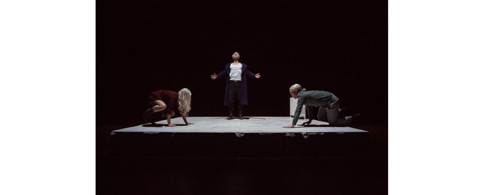 Totentanz // Marieke Kregel, Victor Calero, Martin Hohner // 2017 // Laura Nickel