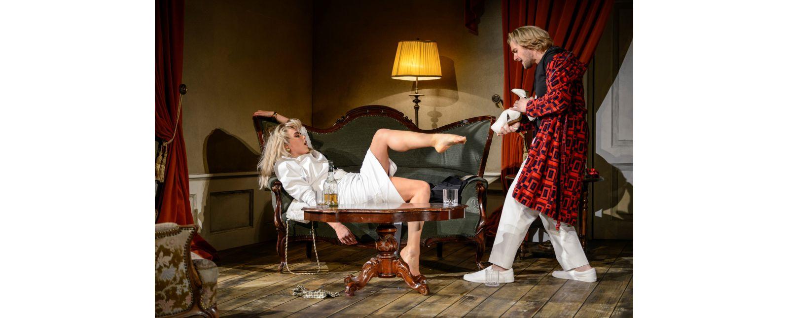 Die Fledermaus // Solen Mainguené // Joshua Kohl // 2018 // Tanja Dorendorf // T+T Fotografie