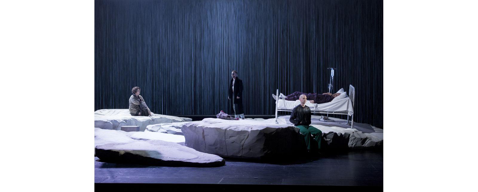 Angels in America // Anja Jung, Robin Adams, Bernhard Landauer, Andreas Jankowitsch // Rainer Muranyi // 2018