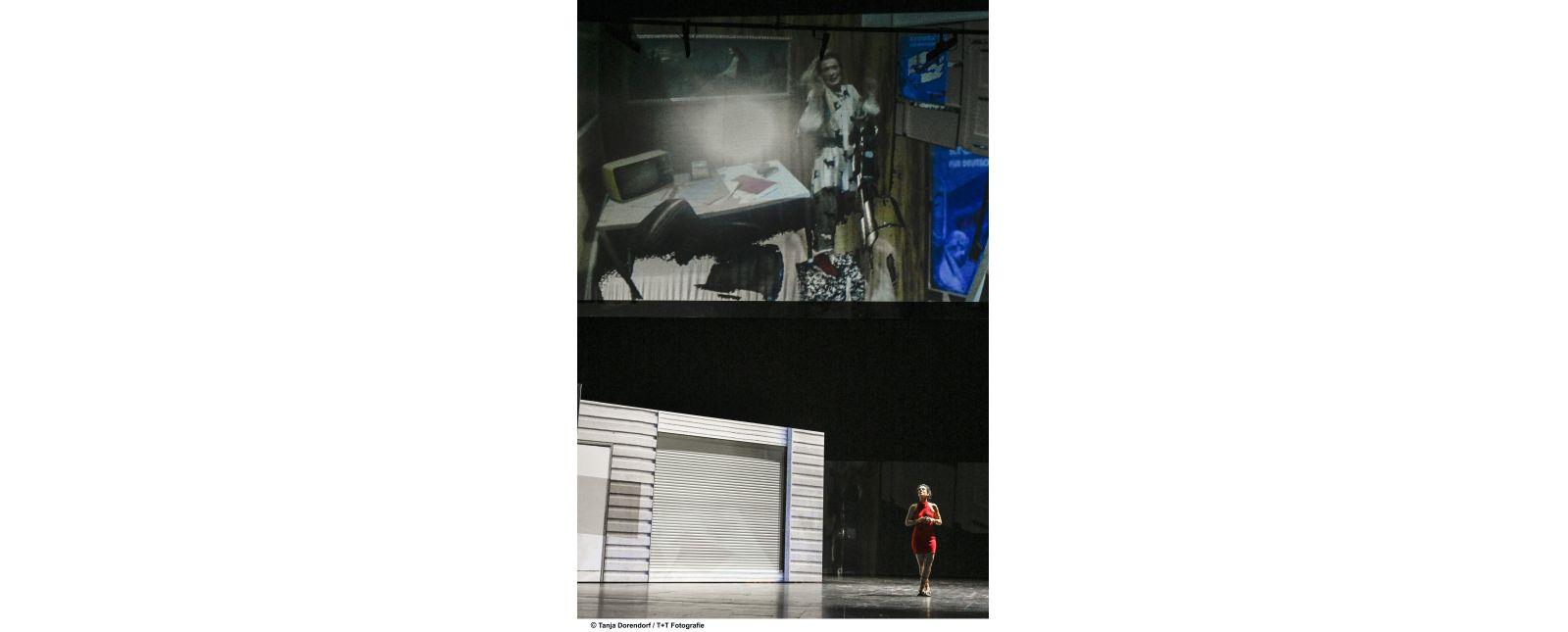 WUT // Stefanie Mrachacz / In Projektion: Anja Schweitzer // 2019 // Tanja Dorendorf / T + T Fotografie