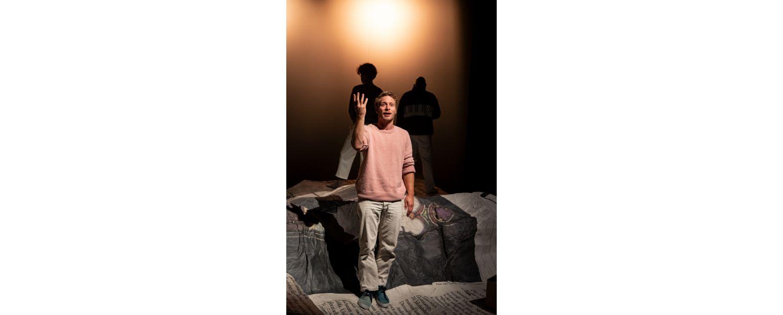 NUR DAS BESTE // Martin Hohner / Im Hintergrund: Moritz Peschke und Holger Kunkel // 2020 // Laura Nickel