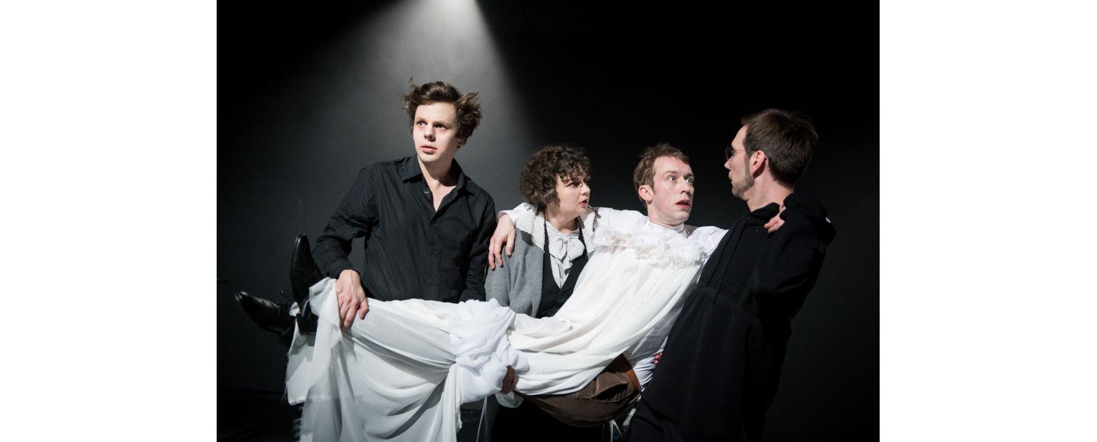 Dracula // Benedikt Grubel / Gesa Bering / Jan Paul Werge / Michael Kaiser // 2020 // Foto: Marc Doradzillo