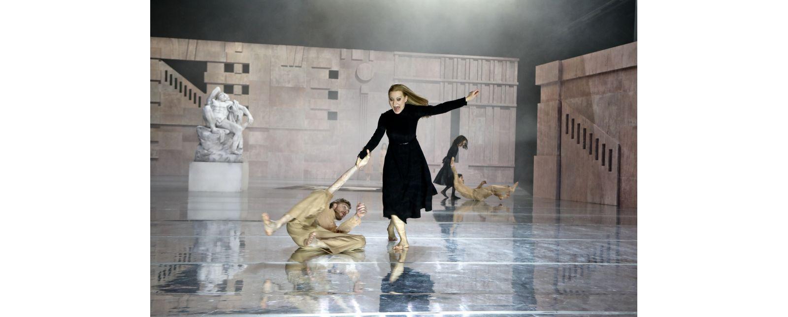 Der Widerspenstigen Zähmung // Thieß Brammer / Alona Szostak / Anja Schweitzer / Lukas Hupfeld // 2020 // Birgit Hupfeld