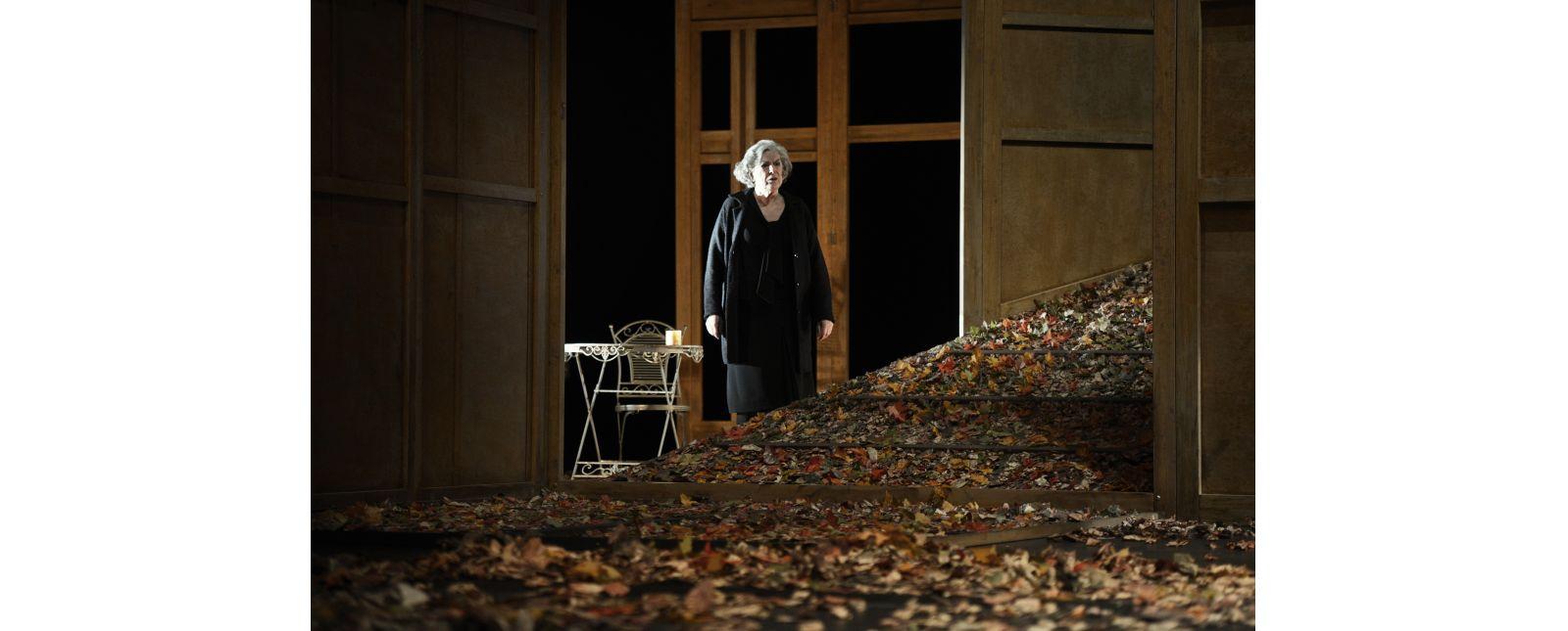 Das Gartenhaus // Margot Gödrös // 2014  // Tanja Dorendorf