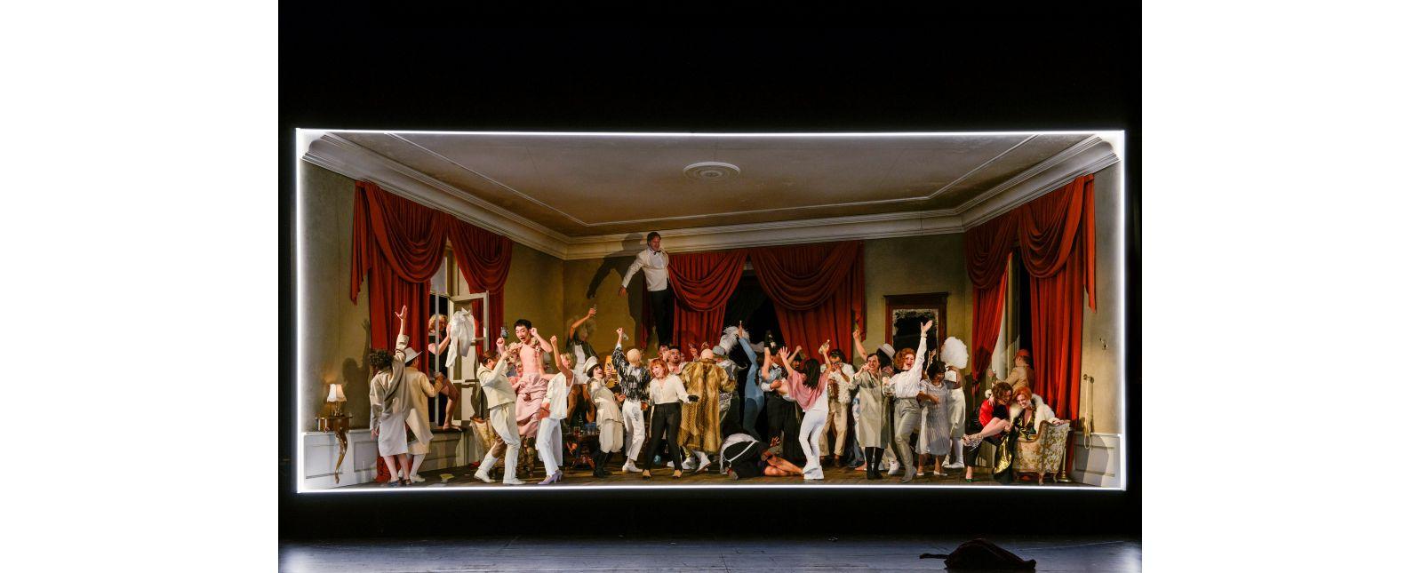 Die Fledermaus // Ensemble // 2018 // Tanja Dorendorf // T+T Fotografie