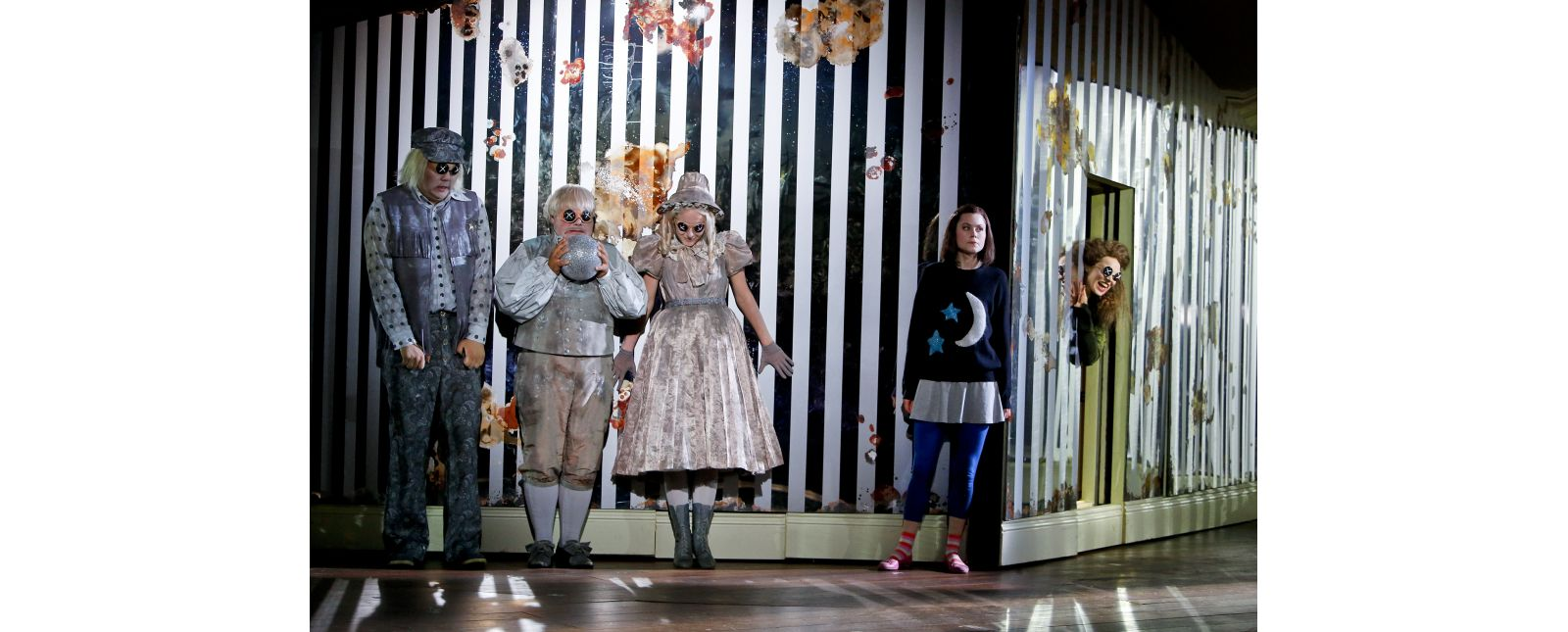Coraline // Daeho Kim // Roberto Gionfriddo // Amelie Petrich // Samantha Gaul // Inga Schäfer // 2018 // Birgit Hupfeld