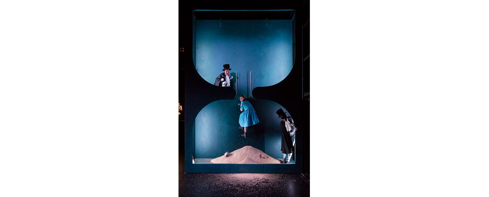 Wunderland // Julienne Mbodjé // Irina Jae Eun Park // John Carpenter // 2018 // Laura Nickel