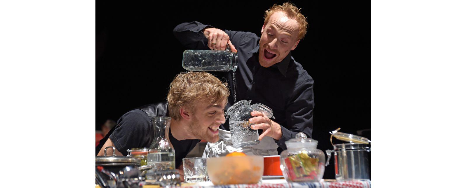 Teufels Küche // Justin Auer, Philipp Schiemenz // 2017 // Foto: Maurice Korbel