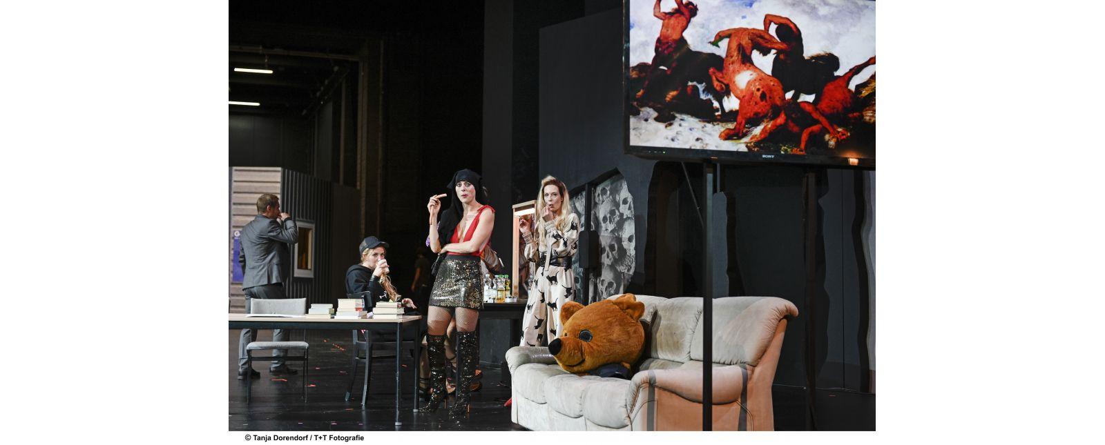 WUT // Martin Hohner / Marieke Kregel / Stefanie Mrachacz / Anja Schweitzer // 2019 // Tanja Dorendorf / T + T Fotografie