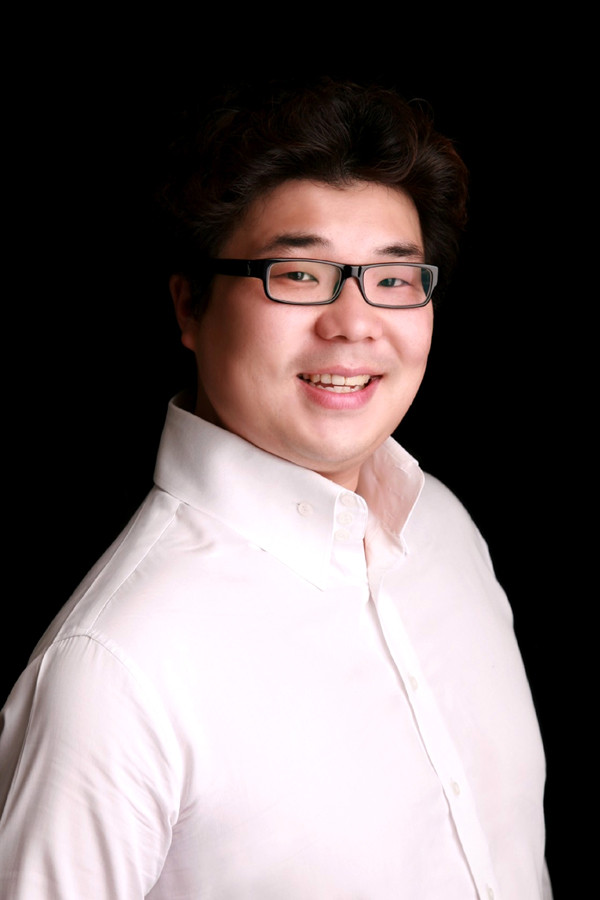 Dong-Hwan Lee