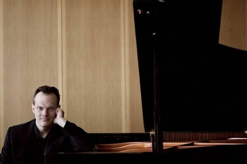 Dirigent und Pianist Lars Vogt | Felix Broede