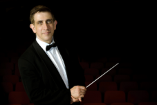Dirigent Nicholas Milton | Privat