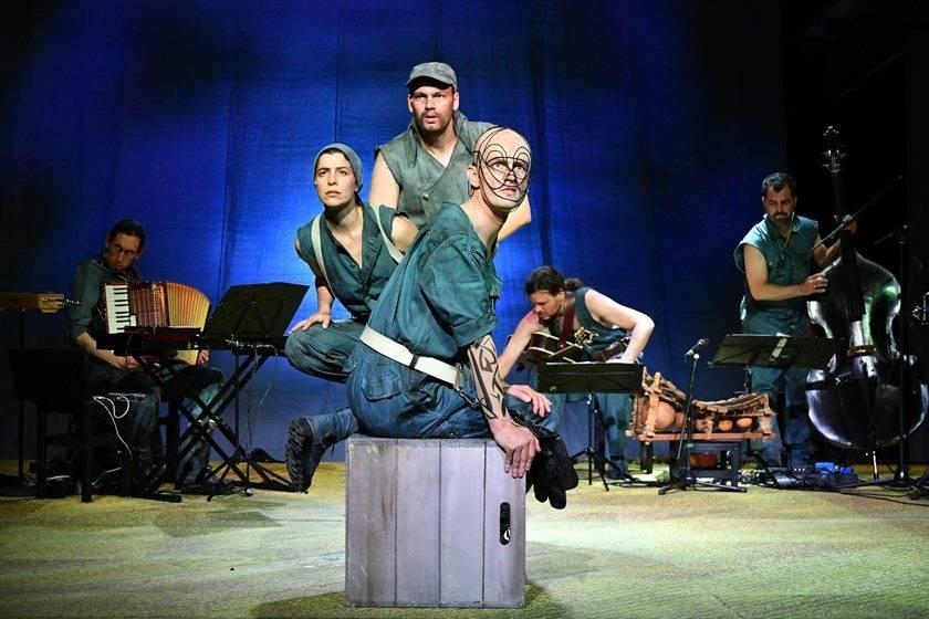 MOBY DICK | Franziska Hoffmann, Alexander von Säbel, Till Demuth und Musiker | Dorit Gätjen
