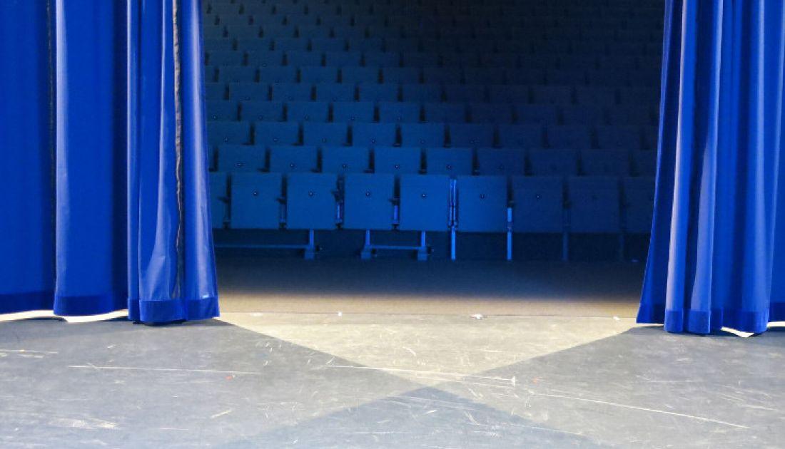Blick von der Bühne in den Saal