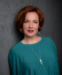 Sylvia Hamvasi